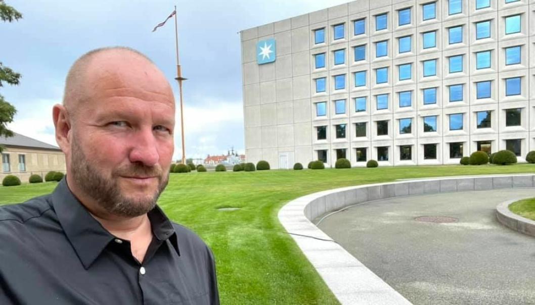 Lars Karlsson har etablert seg på sitt nye kontor i A.P Møller-Maersks hovedkontor på Esplanaden i København. – Her har jeg den danske dronningen som nær nabo. Dette blir bra, sier Karlsson.