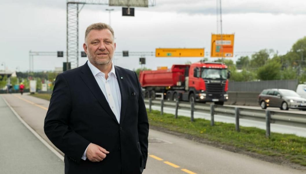 - Meningene om en ny rødgrønn regjering er mange og delte, men jeg tillater meg å være optimistisk på transportnæringens vegne, sier NLFs adm. direktør Geir A. Mo.