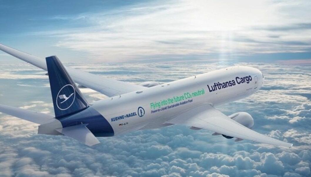 Logistikk-leverandørene Kuehne+Nagel og Lufthansa Cargo har i fellesskap forpliktet seg til å kjøpe 25.000 liter CO2-nøytralt flytende drivstoff årlig de neste fem årene.