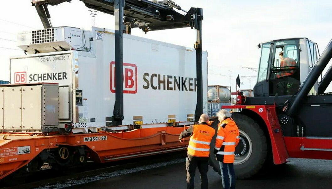Nærmere 70 prosent av Schenker-godset som fraktes mellom byene går med jernbane.